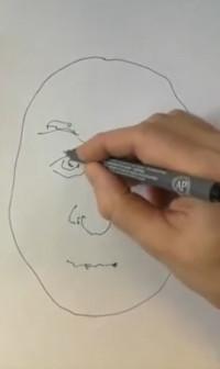 Søren tegner og fortæller om at tegne med mange streger
